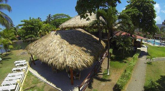 Beach Break Resort : Restaurant & Bar at Morgan's Cove resort