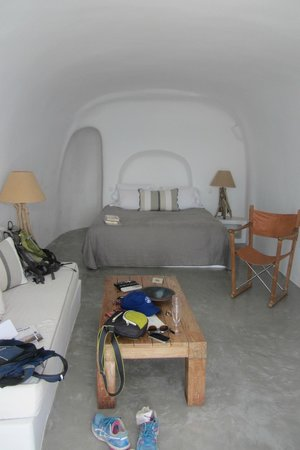 Pezoules: Althaea room - cave room, amazing