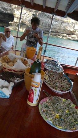 La Rosa dei Venti: Appetizers on the boat.