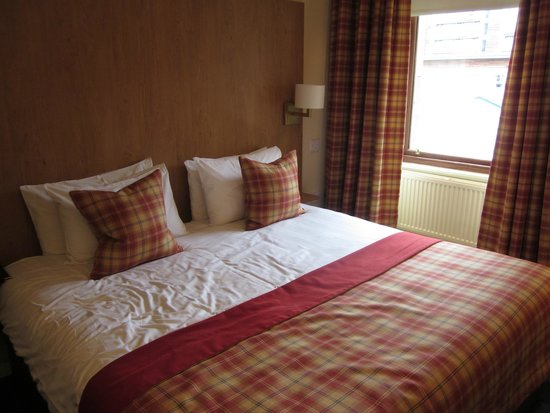 The Pipers' Tryst Hotel: Our room
