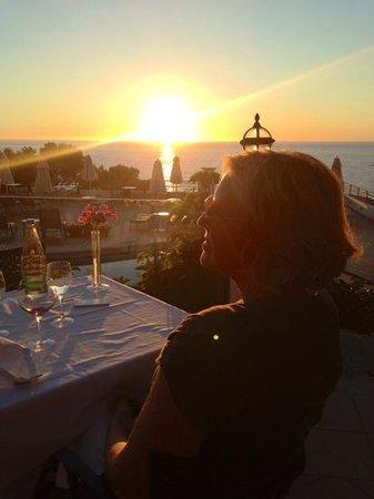 Hoposa Costa d'Or Hotel: Middag i solnedgang!