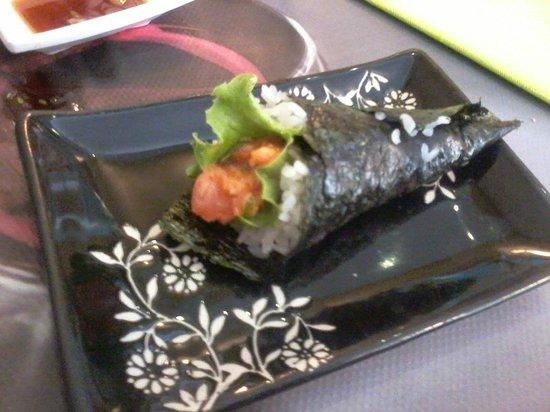 Sakuragi: Temaki Spicy Salmone, buono!