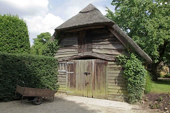 Hidcote Manor Garden: Old buildings with character and history