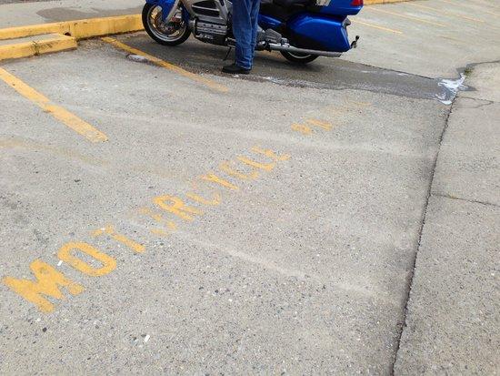 Quality Inn & Suites: Designated bike parking