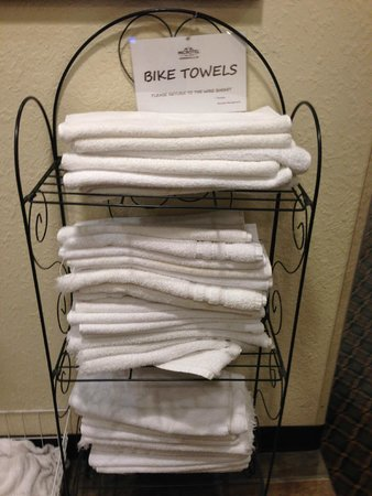 Microtel Inn & Suites by Wyndham Robbinsville: A must since they provide a bike wash too