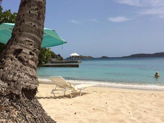 Secret Harbour Beach Resort: Beach at Noon