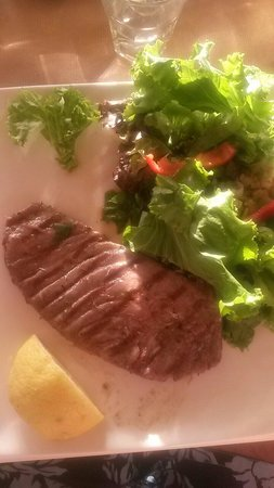 Glossitses: Grilled tuna, best in the world!