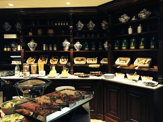 Ville sull'Arno Hotel: Breakfast