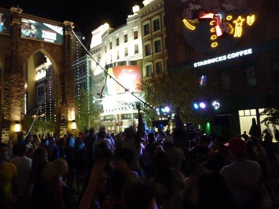 New York - New York Hotel and Casino : DJ sur le Brooklyn Bridge devant l'hôtel