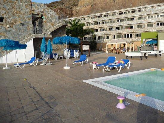 Hotel Terraza Amadores : Zona de la piscina
