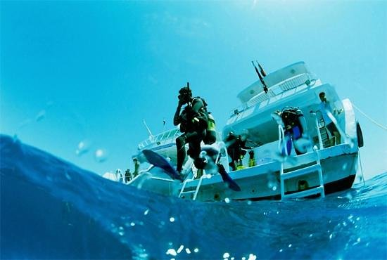 Aquasport International Ltd: Learn To Scuba Dive - PADI  - Aquasport International - www.aquasportonline.com