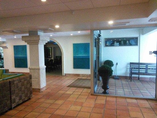 Beachcomber Resort and Villas: Lobby