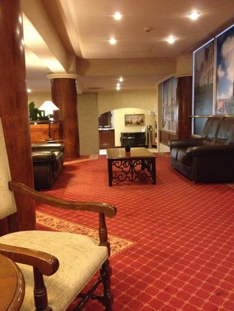 NH Brugge : Hotel lobby