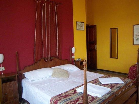 Hotel Europa: la camera
