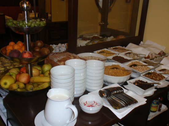 Graben Hotel: Graben Cereal and Pastry Buffet