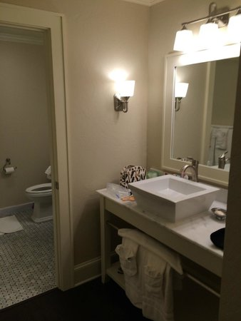 200 Main by Old Edwards : Bathoom with an inner and outer sink and huge shower