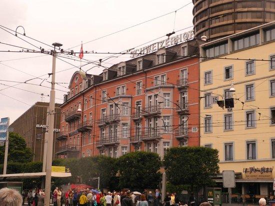 Hotel Schweizerhof Basel : Aussenansicht