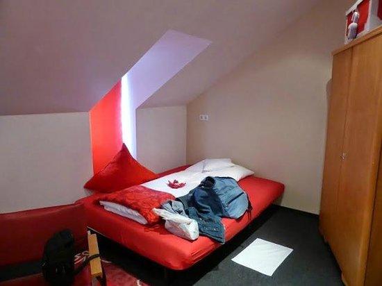 Design Hotel Vosteen : room with 3 beds on top floor