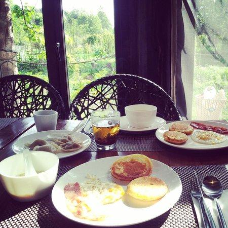 The Bivou: breakfast