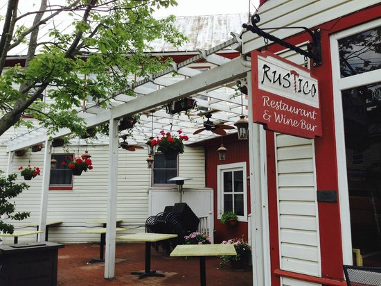 Rustico Restaurant & Wine Bar: Nice outdoor seating