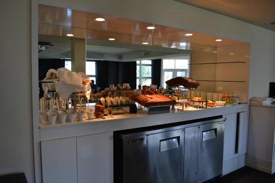 Hôtel Le Bonne Entente : Urbana Happy Hour Offerings
