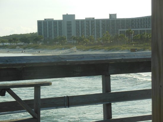 DoubleTree Resort by Hilton Myrtle Beach Oceanfront: view of hotel from pier