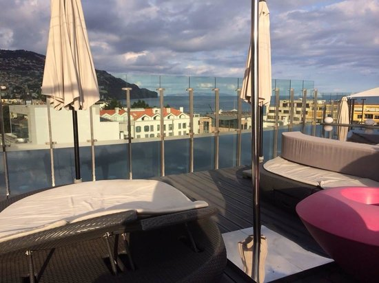 The Vine Hotel : 360 bar overlooking Funchal