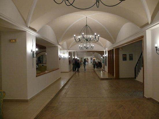 Mitsis Norida Beach Hotel: Eingangsbereich, top gepflegt !!!