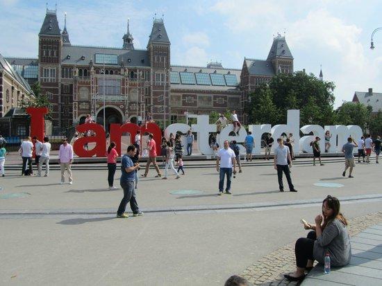 Museumplein: 'Iamsterdam' object