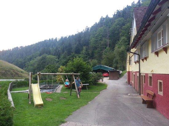 Landgasthaus Aichhalder Mühle: Adjoining playground