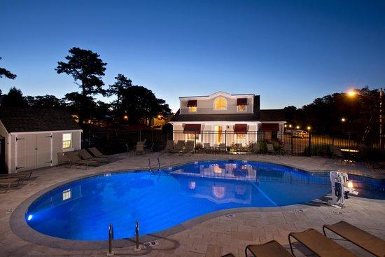 Wellfleet Motel : Night Shot Outdoor Pool