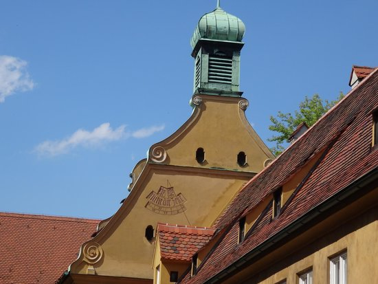La 'Fuggerei' di Augsburg la meridiana