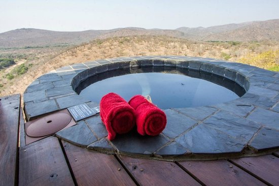 Leopard Mountain Safari Lodge: Private pool at each chalet