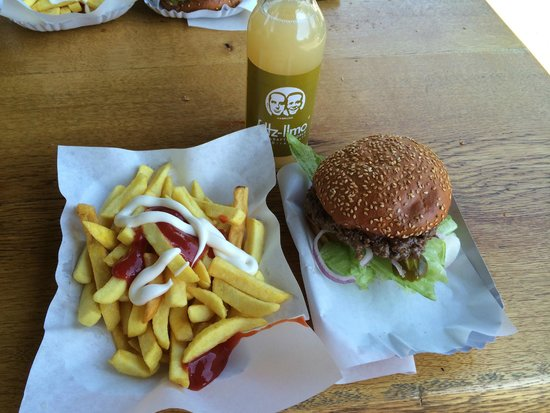 Burgermeister : Hamburger & fries