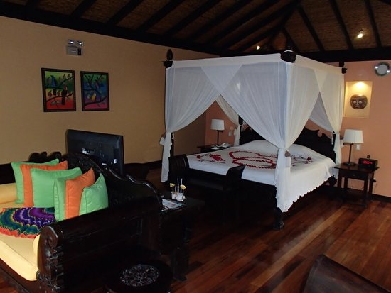 Rio Celeste Hideaway Hotel: Casita Rainforest Suite