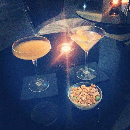 G&V Royal Mile Hotel Edinburgh : Gorgeous cocktails in hotel bar ��