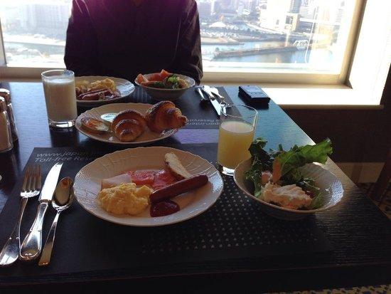 InterContinental  Yokohama Grand : 朝食一式