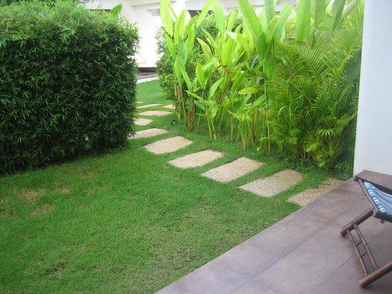 Navutu Dreams Resort & Wellness Retreat: entrada a la habitación