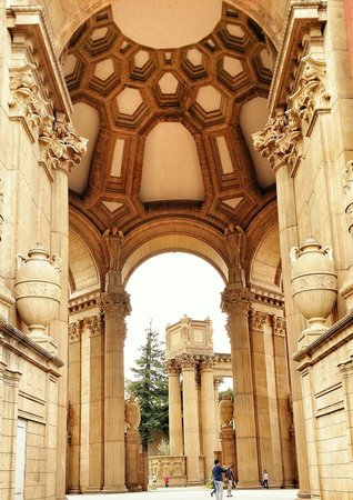 Palace of Fine Arts Theatre: Awesome architectural structure