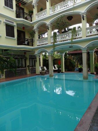 Thuy Duong 3 Hotel : piscina
