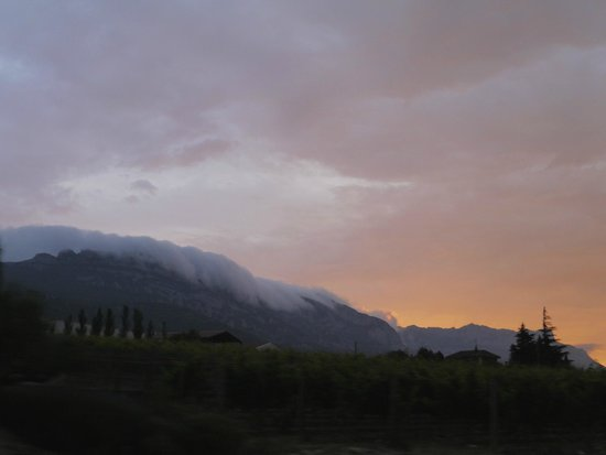 Erletxe: The clouds sweeping over the nearby mountain range, near Laguardia