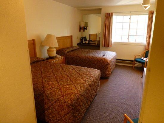 Grant Village Lodge: Room
