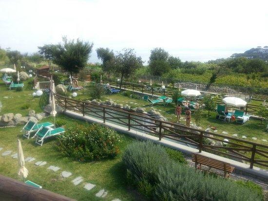 Resort Grazia Terme: Vista del parco termale