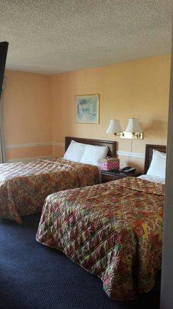 The Alabama Hotel: Room