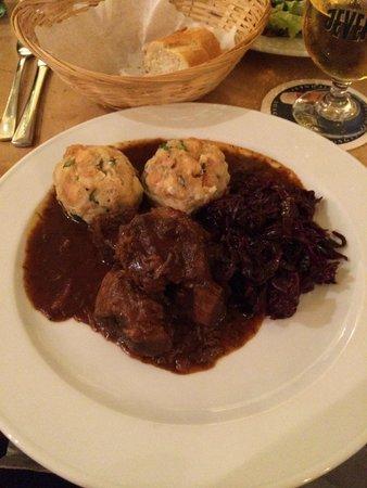 Prater Garten: Beef goulash & potato dumplings