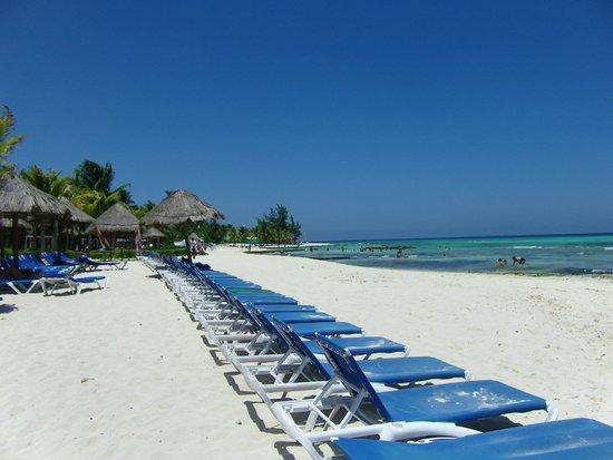 Sandos Caracol Eco Resort: Beach