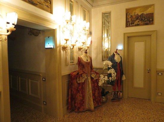 Palazzetto Madonna: Sala de jantar (Acesso para os aposentos)