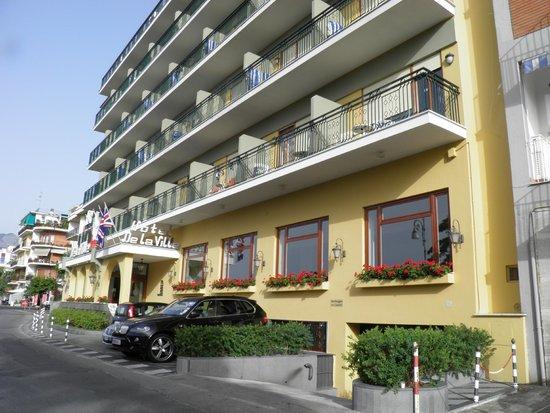 Grand Hotel De La Ville Sorrento: Hotel frontage