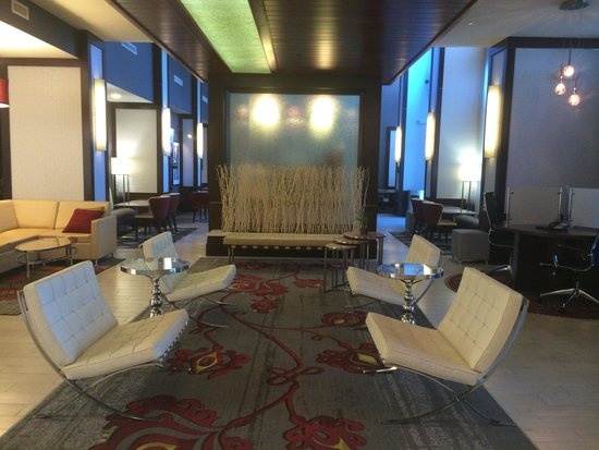 Hampton Inn & Suites Chattanooga/Hamilton Place: Lobby where you first come in