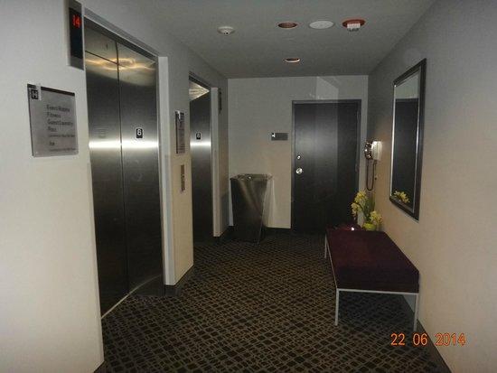 HYATT house Charlotte Center City : corredor hotel